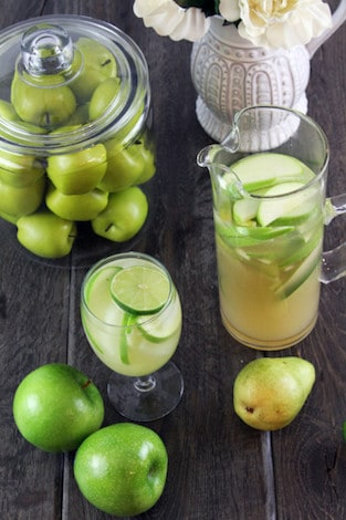 Apple and Pear Sangria Recipe | Winetraveler.com
