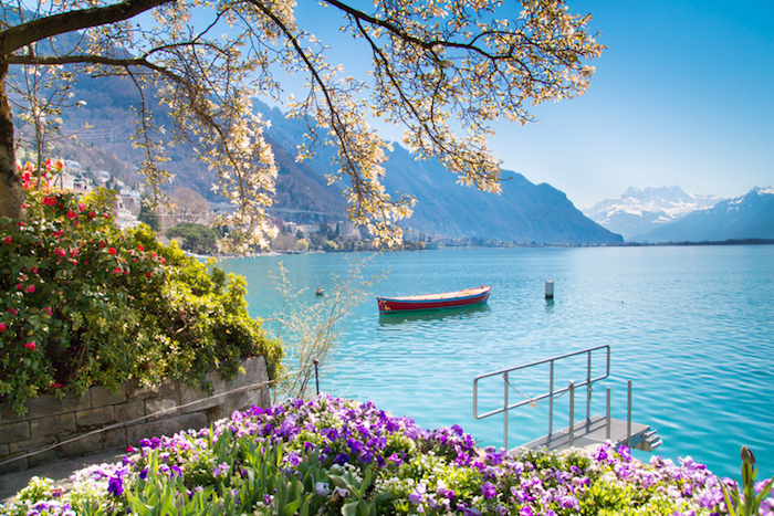 Scenery in Lake Geneva, Switzerland | Winetraveler.com