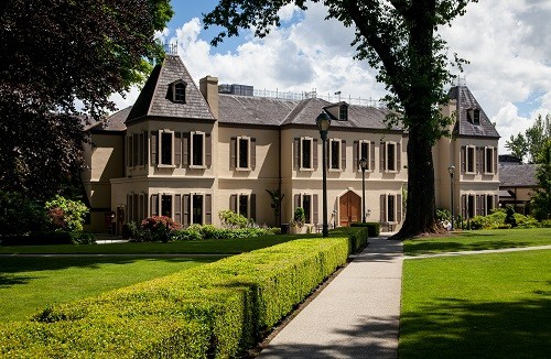 Visiting Chateau Ste Michelle Winery in Woodinville Washington | Winetraveler.com