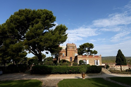 Chateau Vannieres boasts one of the Bandol's more impressive buildings, which makes it a popular event venue as well as a tasting destination.