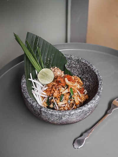Pad Thai Food and Wine Pairing